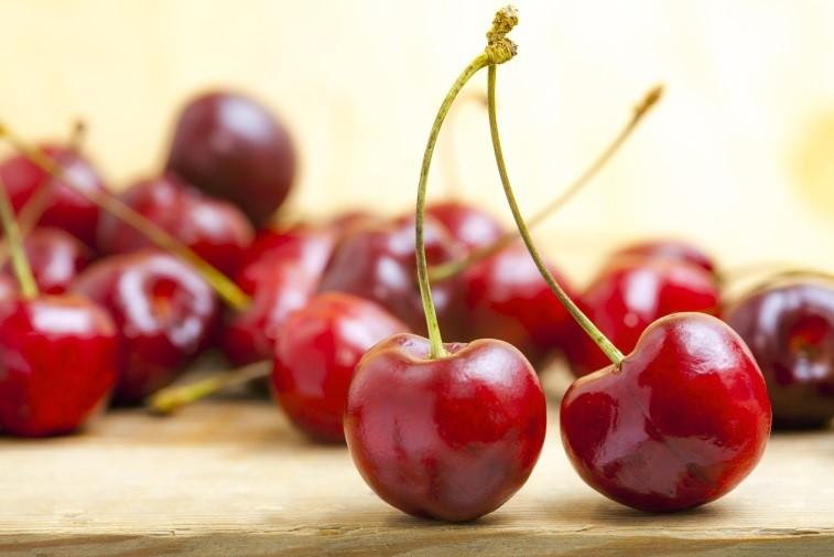 10 thực phẩm giảm Acid uric - cherry