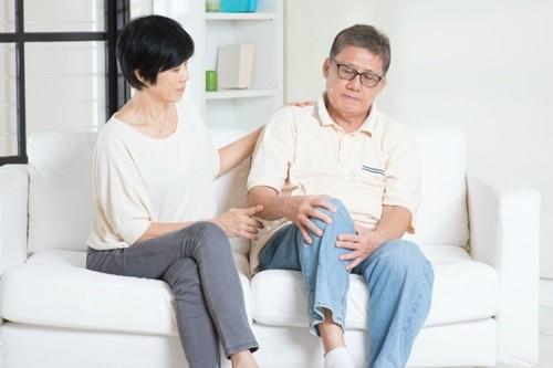 viêm xương khớp thường xảy ra ở người lớn tuổi